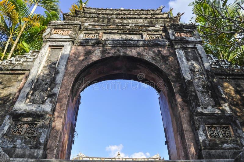 Tumba imperial del emperador Khai Dinh Hue - Vietnam fotos de archivo