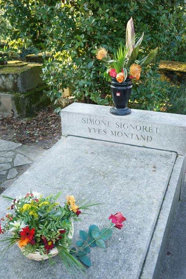 Tumba Père Lachaise de Simone Signoret y de Yves Montand foto de archivo libre de regalías