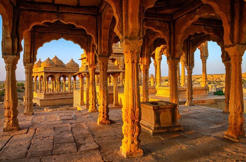 Tumbas de Bada Bagh en Jaisalmer, Rajasthán, la India foto de archivo libre de regalías