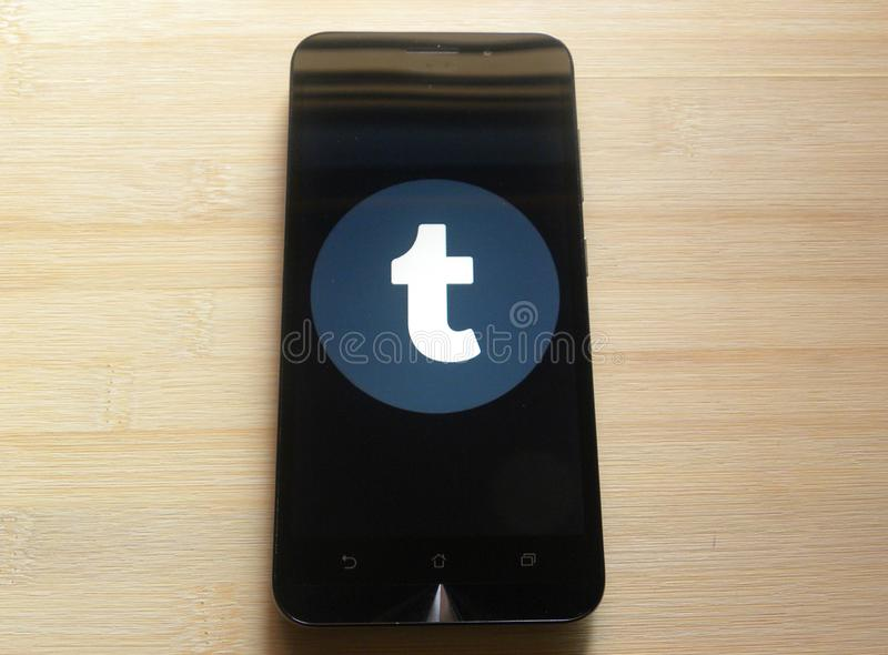 Tumblr op smartphone royalty-vrije stock foto