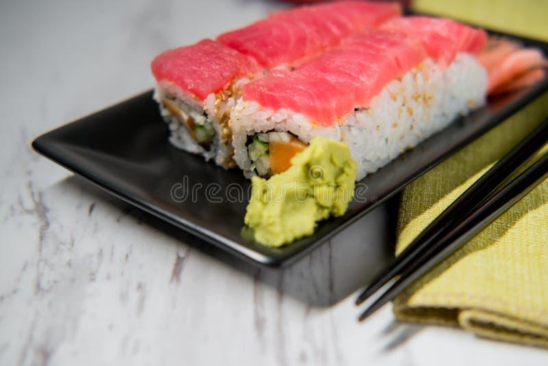 Tuna Salmon Sushi Roll imágenes de archivo libres de regalías