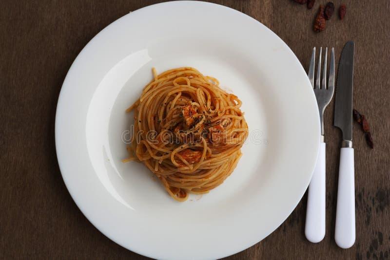 Download Tuna Spaghetti stock afbeelding. Afbeelding bestaande uit heerlijk - 39104655
