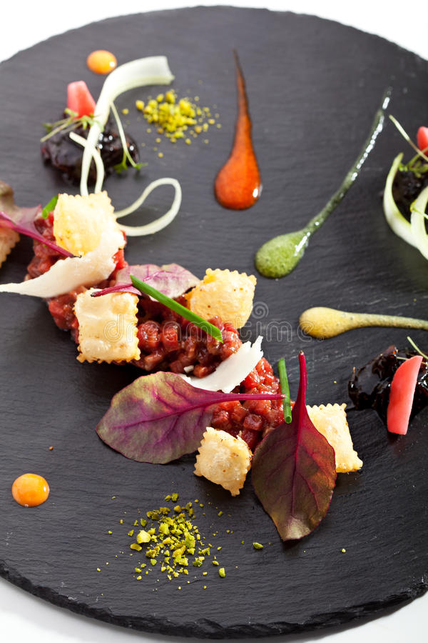 Tuna Tartare met Diverse Onderdompeling royalty-vrije stock foto's
