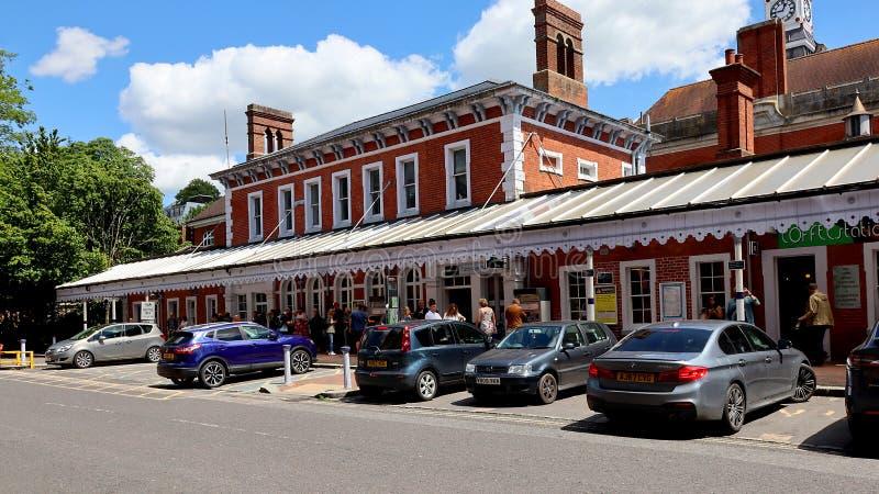 Tunbridge väller fram järnvägsstationen i Kent fotografering för bildbyråer