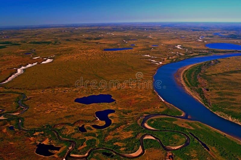 Tundra Taimyr półwysep w wiośnie widoki od helikopteru zdjęcie stock