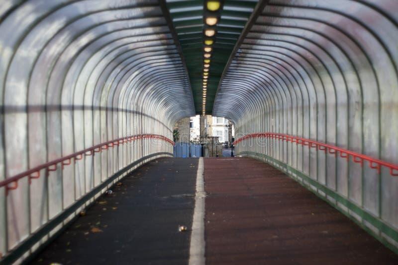 Download Tunel zdjęcie stock. Obraz złożonej z tubka, tunel, metro - 28960654