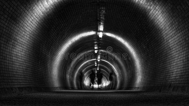 Tunel z rozmytymi ludźmi obrazy royalty free
