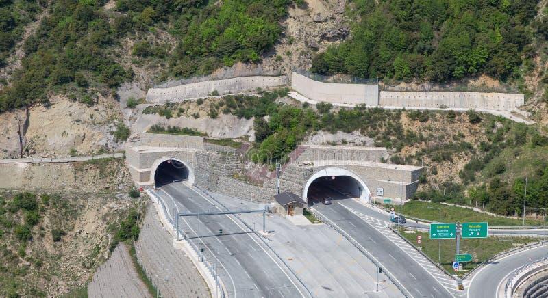 Tunele w Egnatia międzynarodowej autostradzie, Grecja zdjęcia stock