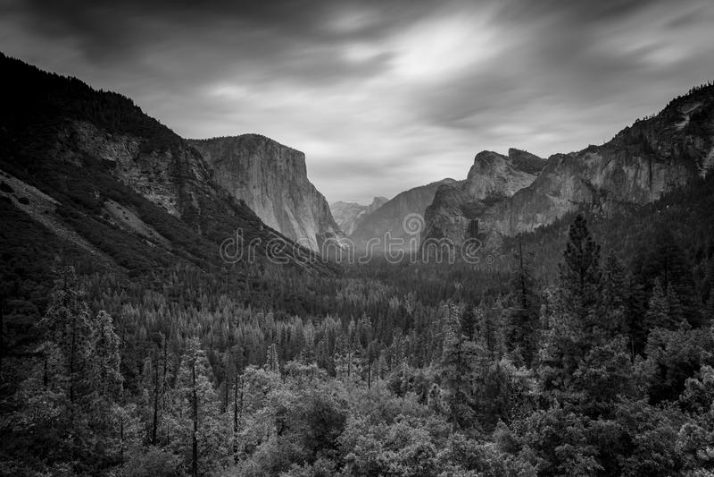 tunelowy dolinny widok Yosemite zdjęcia stock