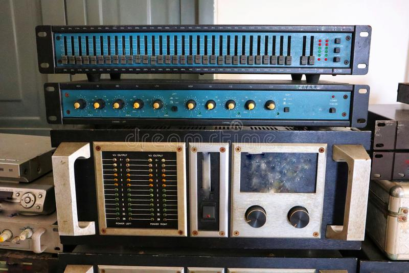 Tuner d'Echoizer, compresseur, dispensator, diviseur audio numérique, processeur, effets numériques d'Old de contrôleur de haut-p photo stock