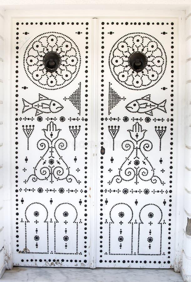 Tunesische Tür lizenzfreies stockbild