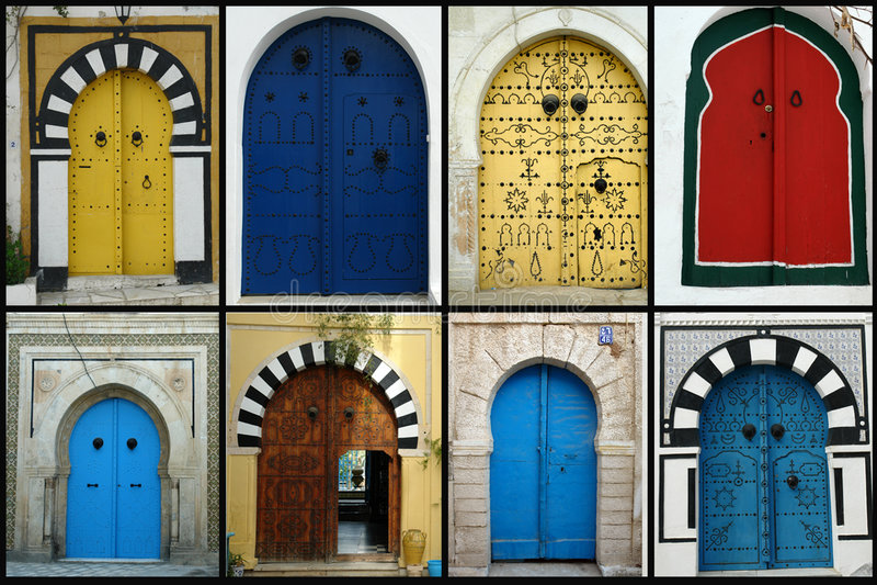 Tunesische Türen lizenzfreie stockbilder