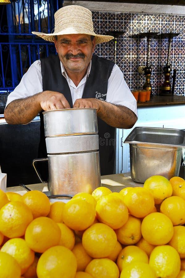 Tunezja Djerba Handlarz sok pomarańczowy obrazy stock