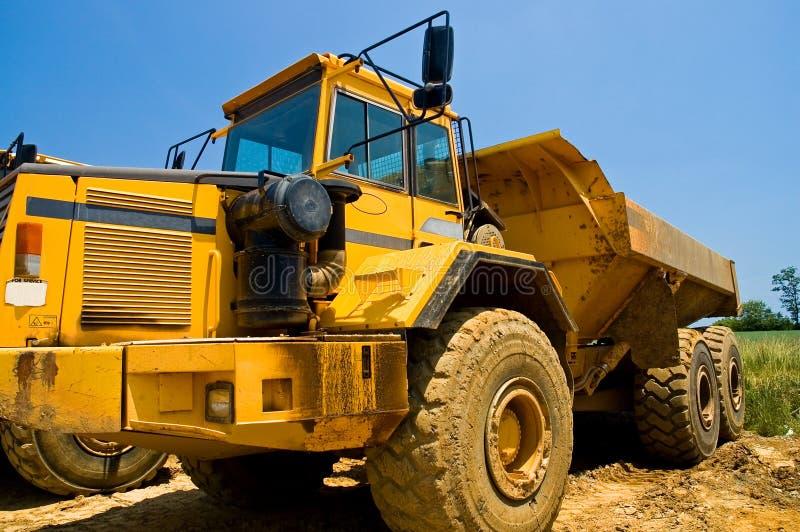 tung lastbil för konstruktionsarbetsuppgift royaltyfria bilder