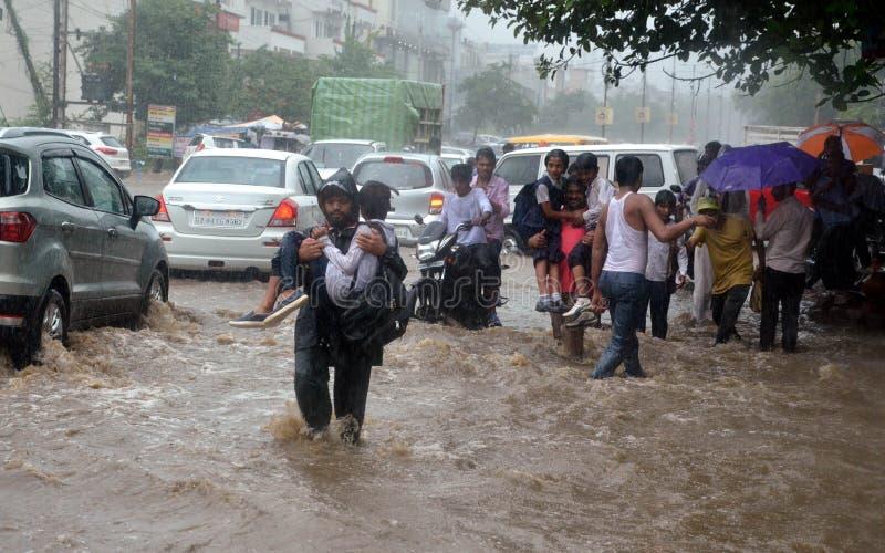 Tung nederbörd i Bhopal fotografering för bildbyråer