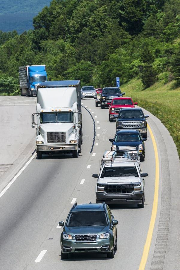 Tung sommarTid trafik i Tennessee royaltyfria bilder