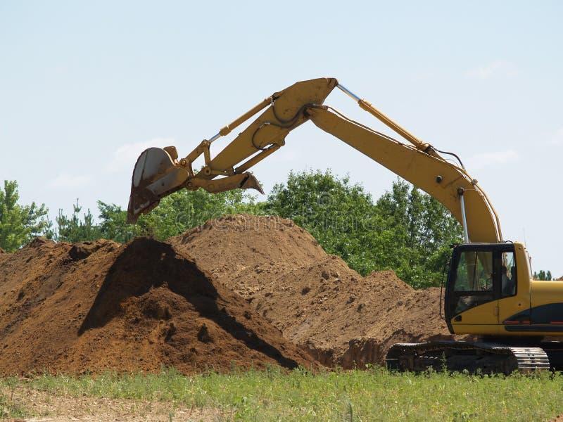 Download Tung utrustning arkivfoto. Bild av skräp, jord, bulking - 983388
