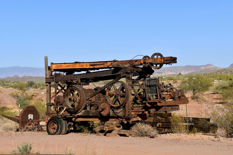 Tung utrustning för utdragning av mineraler, i att bryta arkivbilder