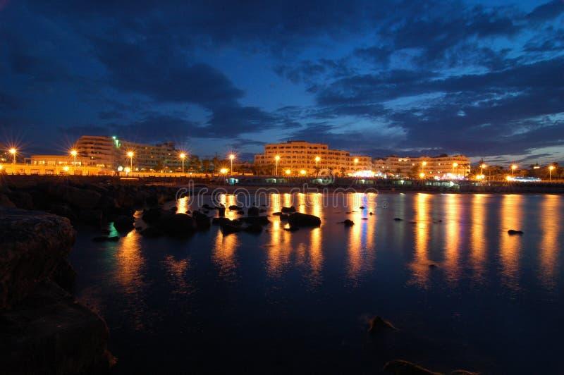 Tunisi nella notte immagini stock