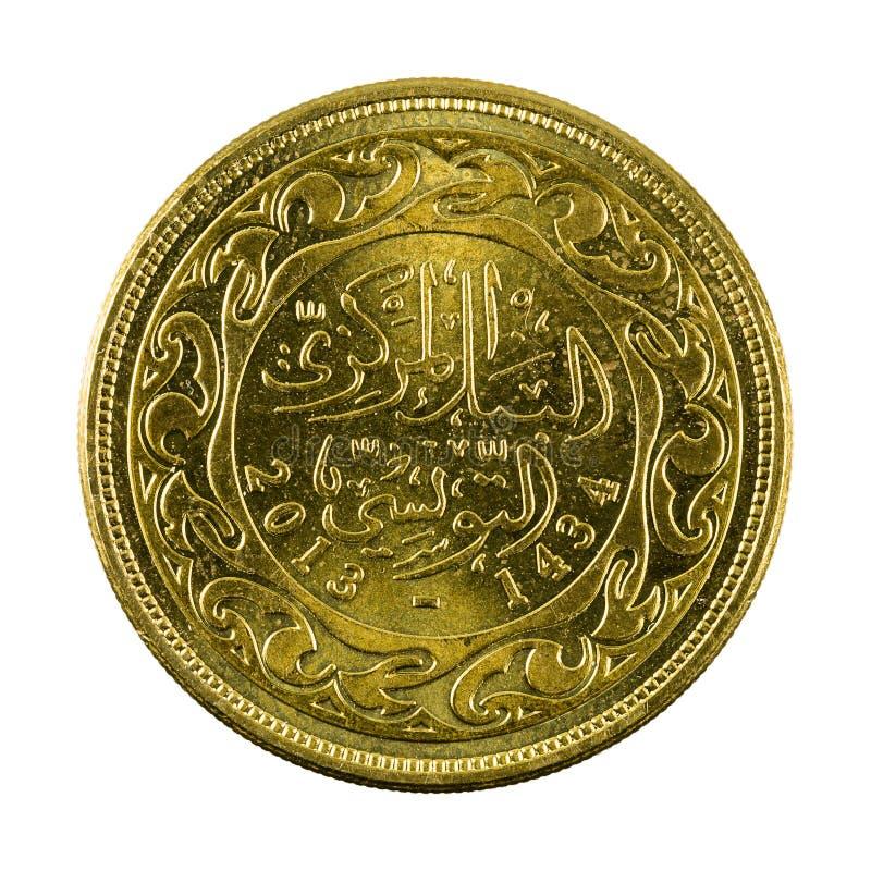 50 tunisian millimes myntar 2013 som isoleras på vit bakgrund arkivbilder