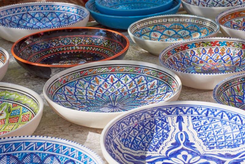 Tunisisk keramik som är till salu på en marknad i Frankfurt arkivfoto