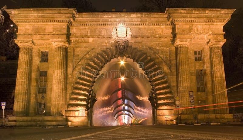 Tunnel à Budapest par nuit photographie stock libre de droits