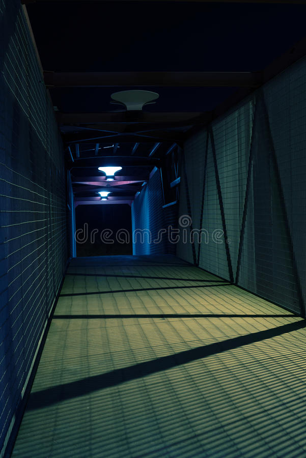 Download Tunnel image stock. Image du cityscape, lampe, route - 56485345
