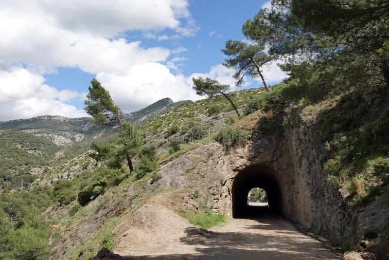 Tunnel bij begin van Caminito del Rey in Andalusia, Spanje royalty-vrije stock afbeeldingen