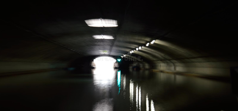 Tunnel con acqua immagini stock libere da diritti