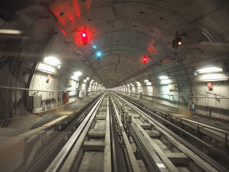 tunnel de chemin de fer de souterrain photos libres de droits