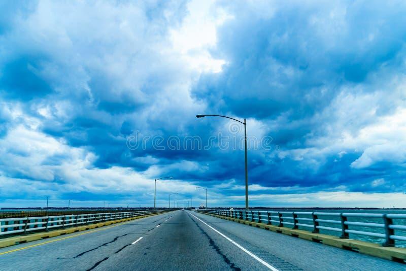 Tunnel del ponte della baia di Chesapeake o Lucius J Ponte-tunnel di junior di Kellam, la Virginia immagine stock