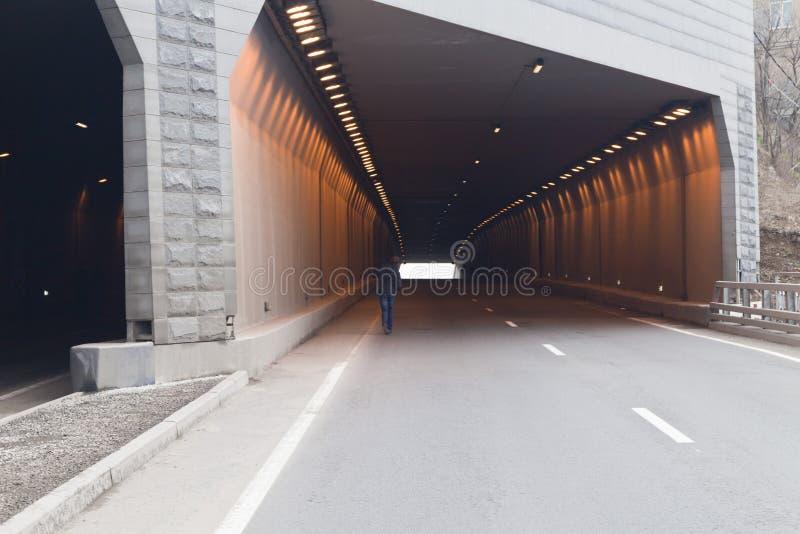 Download Tunnel dell'automobile immagine stock. Immagine di solo - 30826607