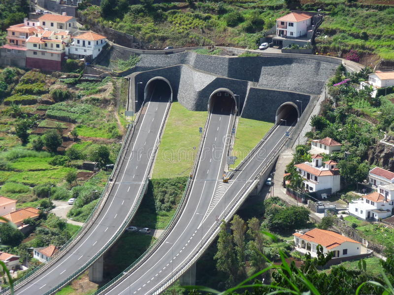 Tunnel della strada sull'isola del Madera fotografia stock libera da diritti