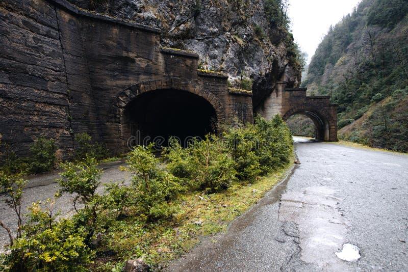 Download Tunnel Im Berg In Abchasien Stockbild - Bild von nave, grün: 106802155