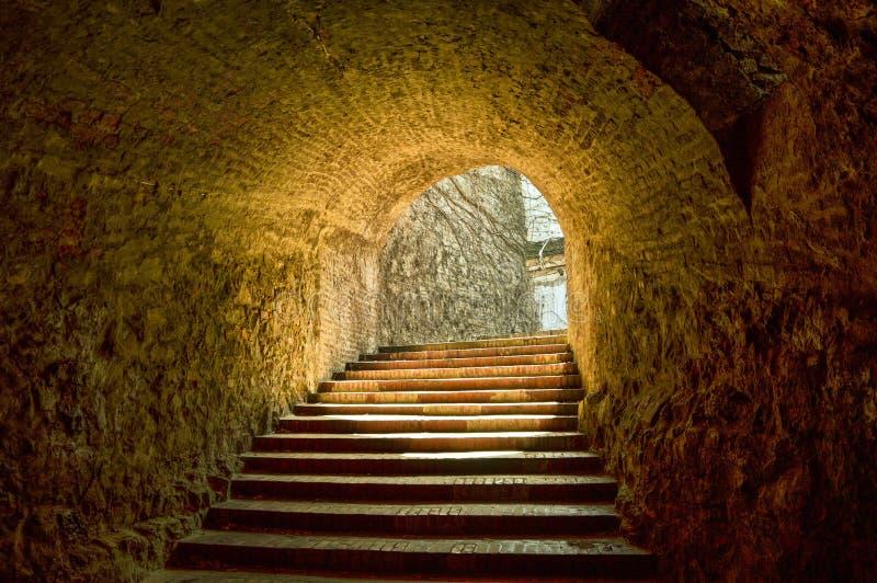 Tunnel par la forteresse images libres de droits