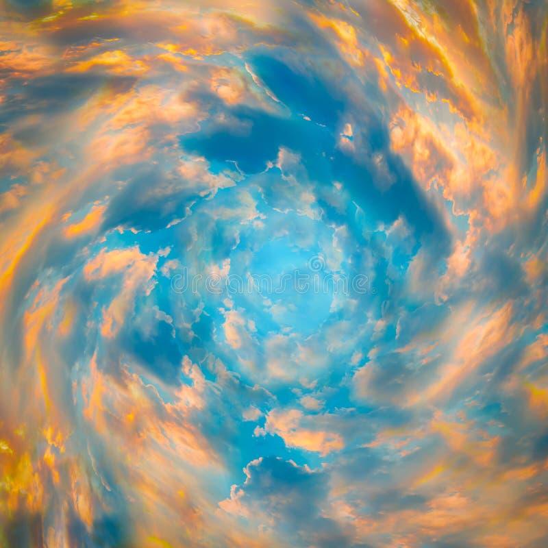 Tunnel van wolken Abstract hemelconcept royalty-vrije stock fotografie