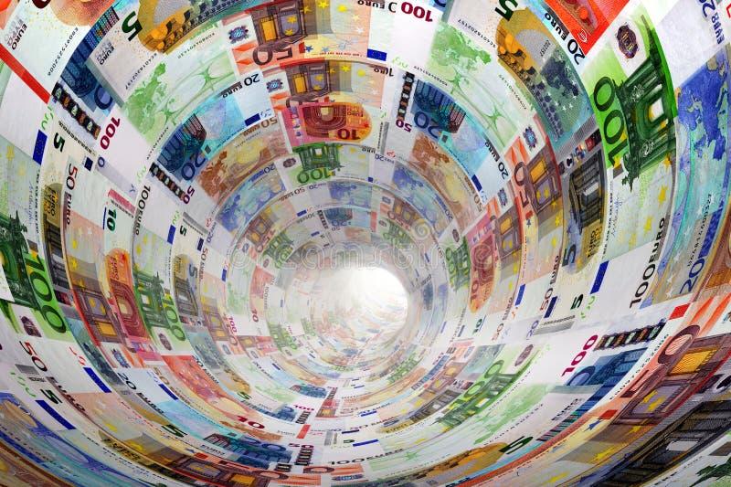 Tunnel von Eurobanknoten in Richtung zum Licht Geld stockbilder