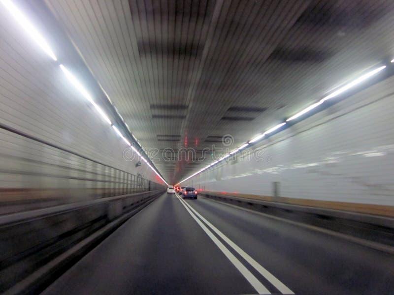 Tunnel zur Hölle stockbilder