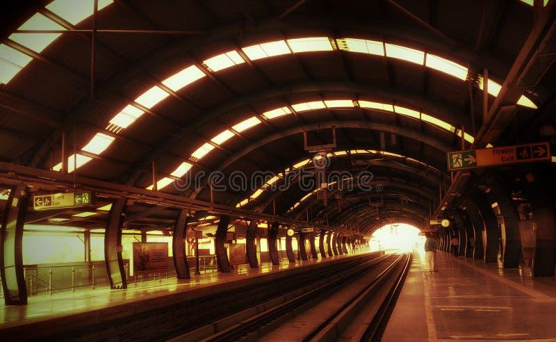 Tunnelbanasp?r royaltyfri fotografi
