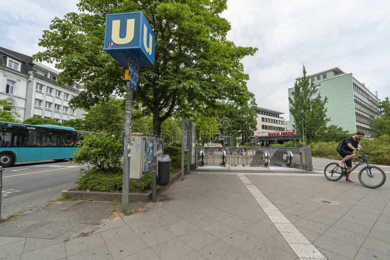 Tunnelbanastation i Frankfurt arkivbilder