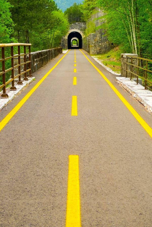 Tunnels op de fietssteeg van Ciclovia Alpe Adria Radweg royalty-vrije stock fotografie