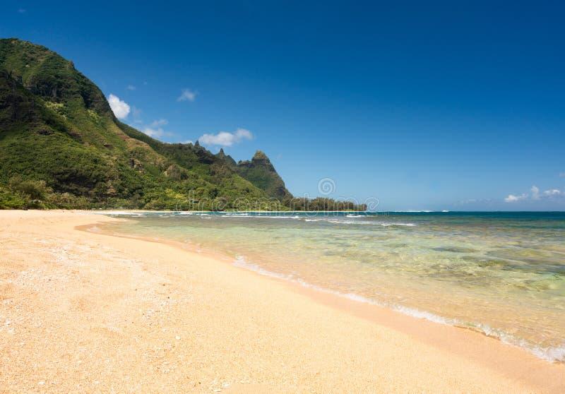 Tunnelsstrand op de het noordenkust Kauai stock foto's