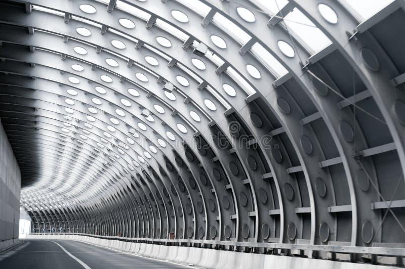 Tunnelstraße lizenzfreie stockbilder