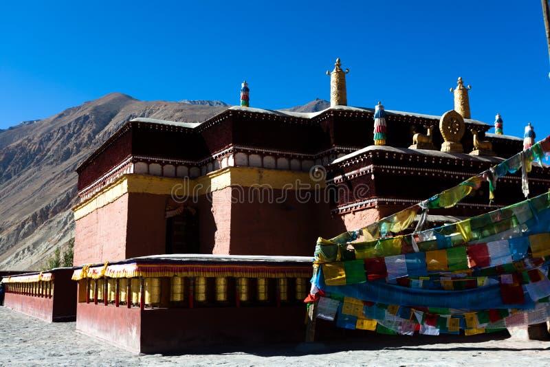 Download Tuojiasi寺庙部份看法 库存照片. 图片 包括有 喇嘛, 高地, 镇痛药, 结算, 阳光, 专区, 的btu - 30335478