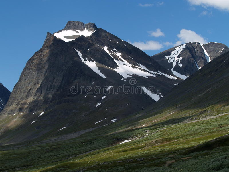 Tuolpagorni Spitze Kebnekaise im Nationalpark lizenzfreies stockbild
