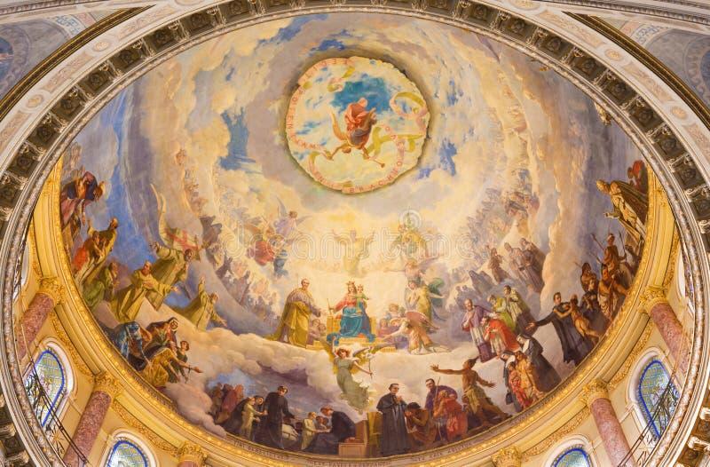 TURÍN, ITALIA - 15 DE MARZO DE 2017: El detalle del fresco Mary Help de cristianos en la cúpula de la basílica Maria Ausiliatrice fotografía de archivo