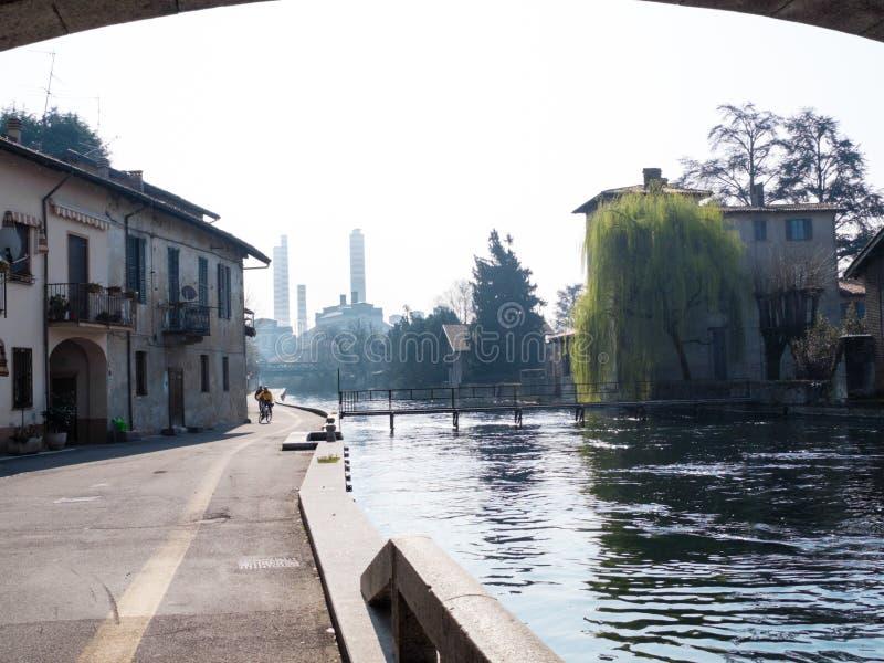 Turbigo-ITALY-03 12 2014, chaminés termoelétricos da planta de Turbigo fotos de stock royalty free