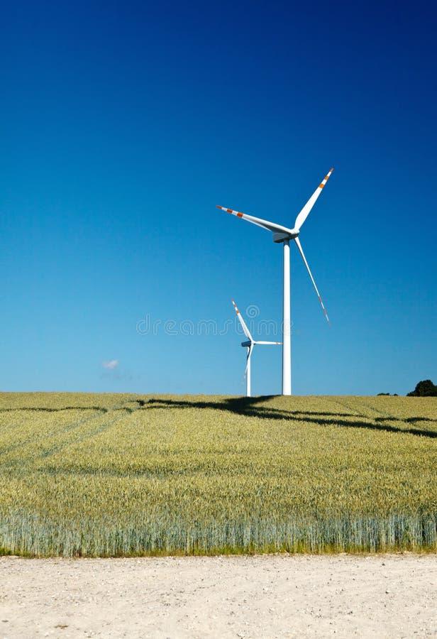 turbina śródpolny wiatr dwa fotografia royalty free