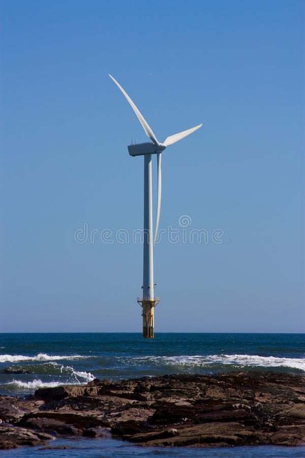 Turbina costa afuera imagen de archivo libre de regalías