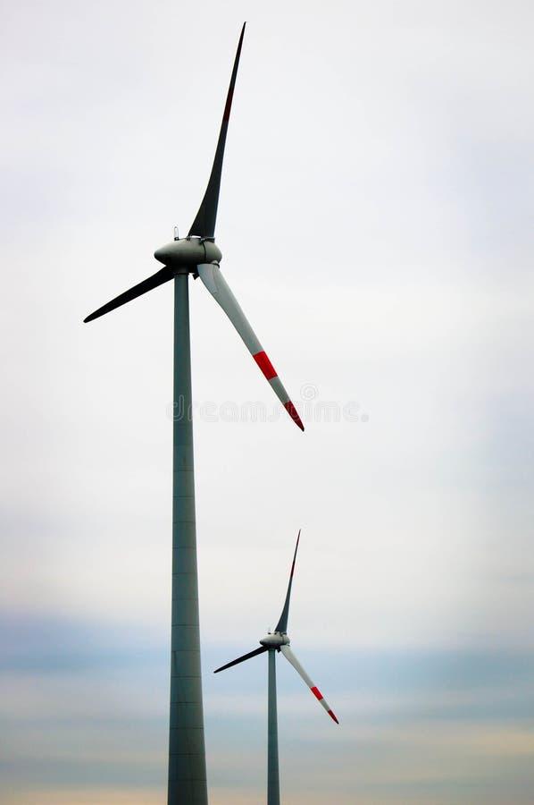 Turbina de aire contra el cielo imágenes de archivo libres de regalías